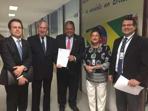 Mauricio Menezes, vice-presidente do FONIF; Custódio Pereira, presidente do FONIF;; Dep. Antonio Brito; Dora Silvia Cunha Bueno, vice-presidente do FONIF e Ednilson Guioti