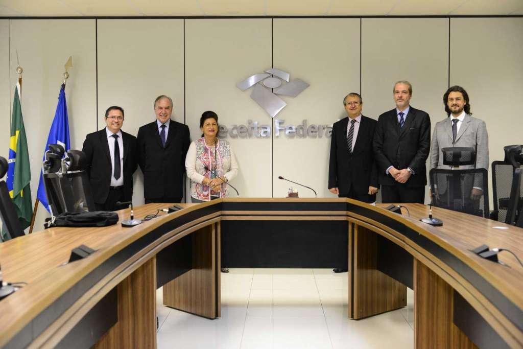 Receita Federal recebe comitiva do FONIF para audiência sobre o setor filantrópico